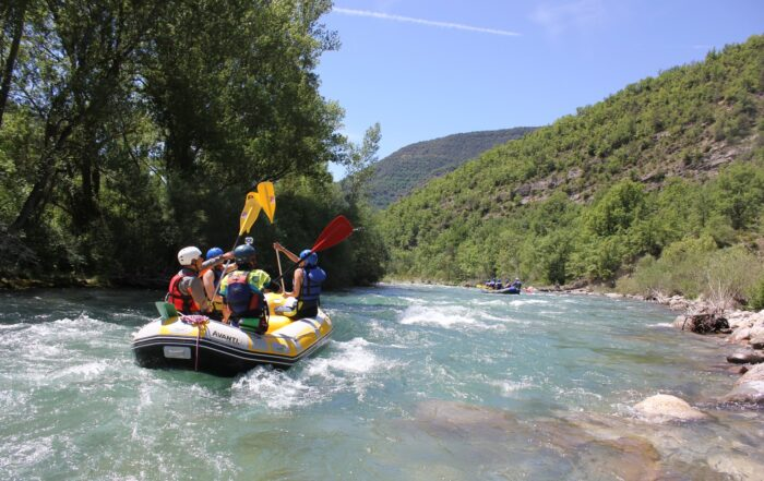 Turismo de Aventura - Río Ésera. Rafting Ésera