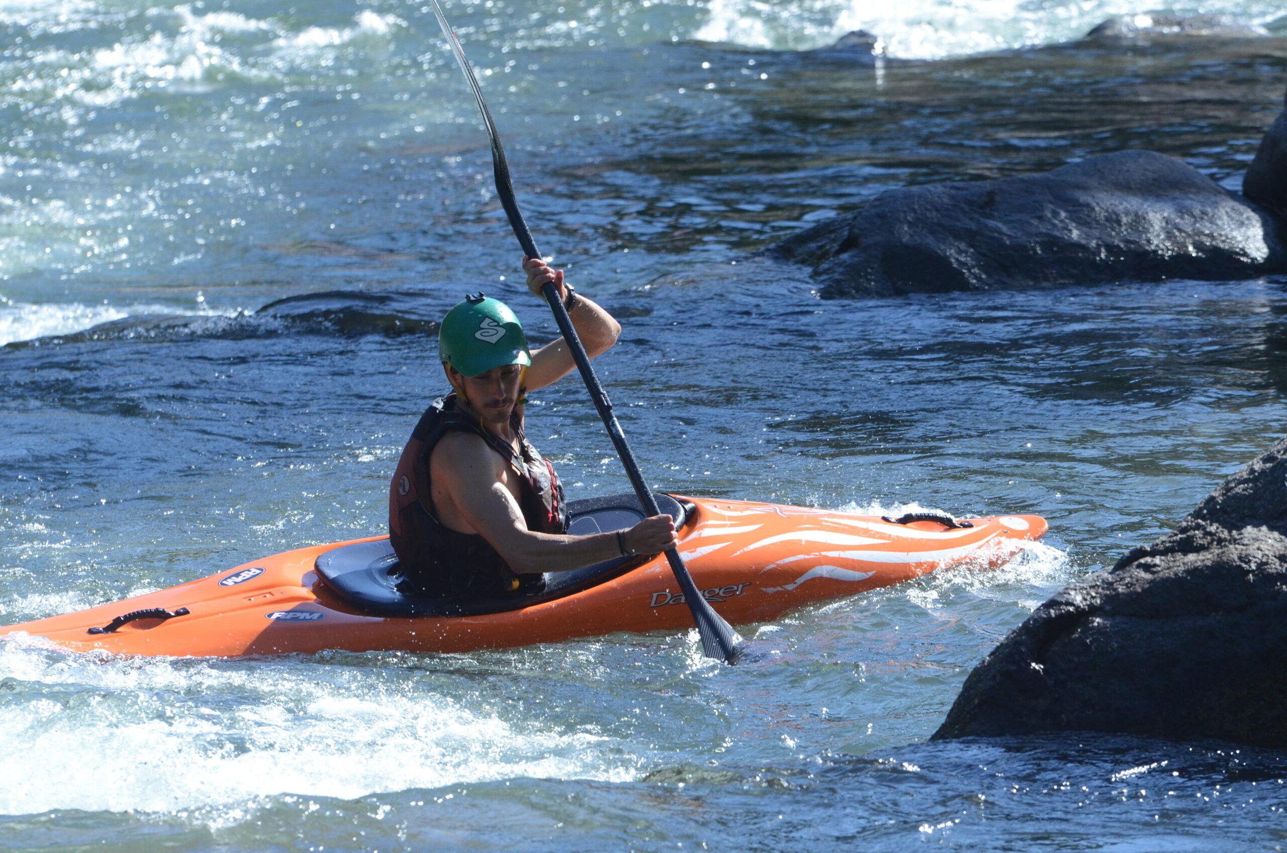 Kayak desde Pirineos a Chile: Rafting Esera y Escuela de Kayak en Huesca