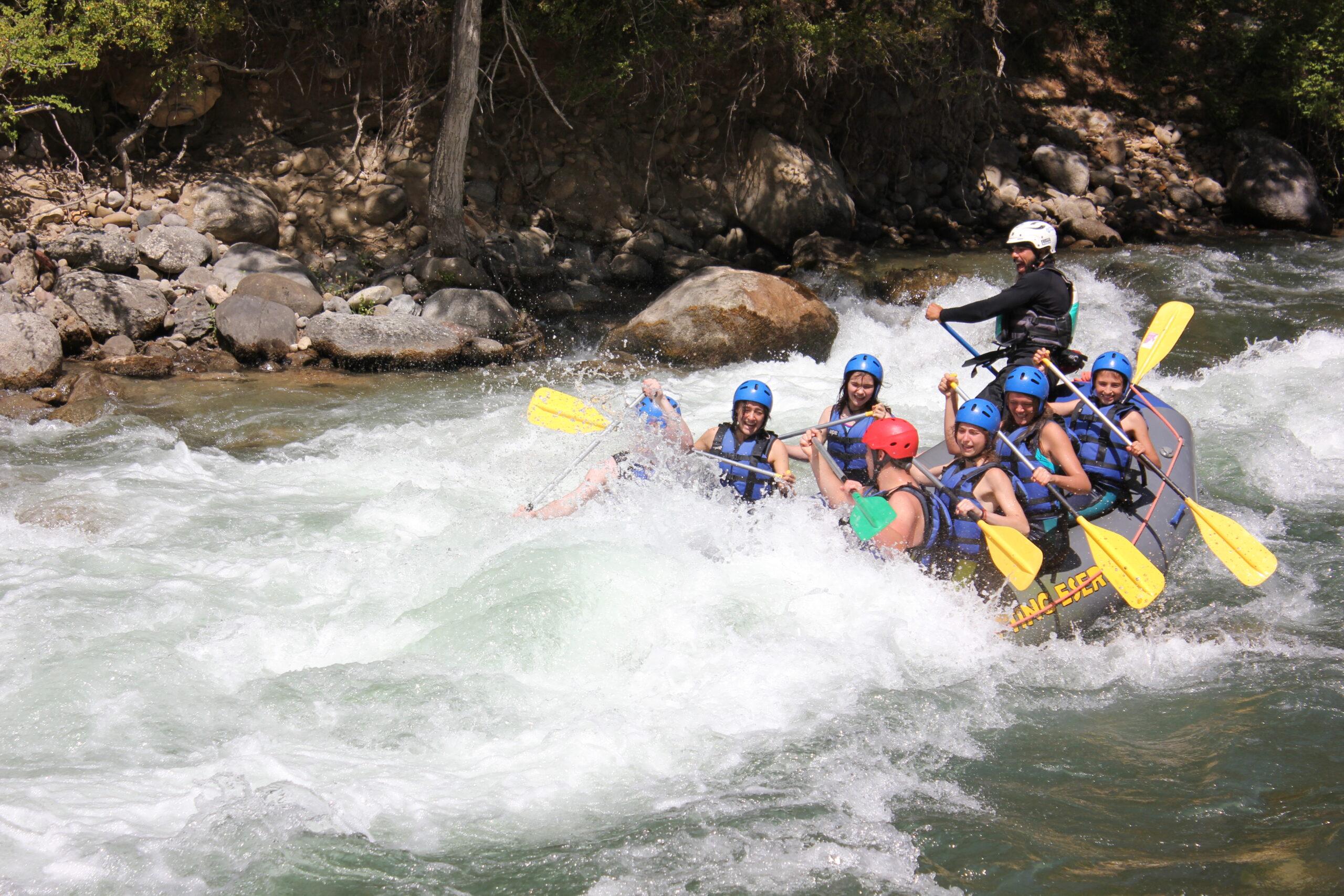 Aventura en Familia con Rafting Esera y Escuela de Kayak
